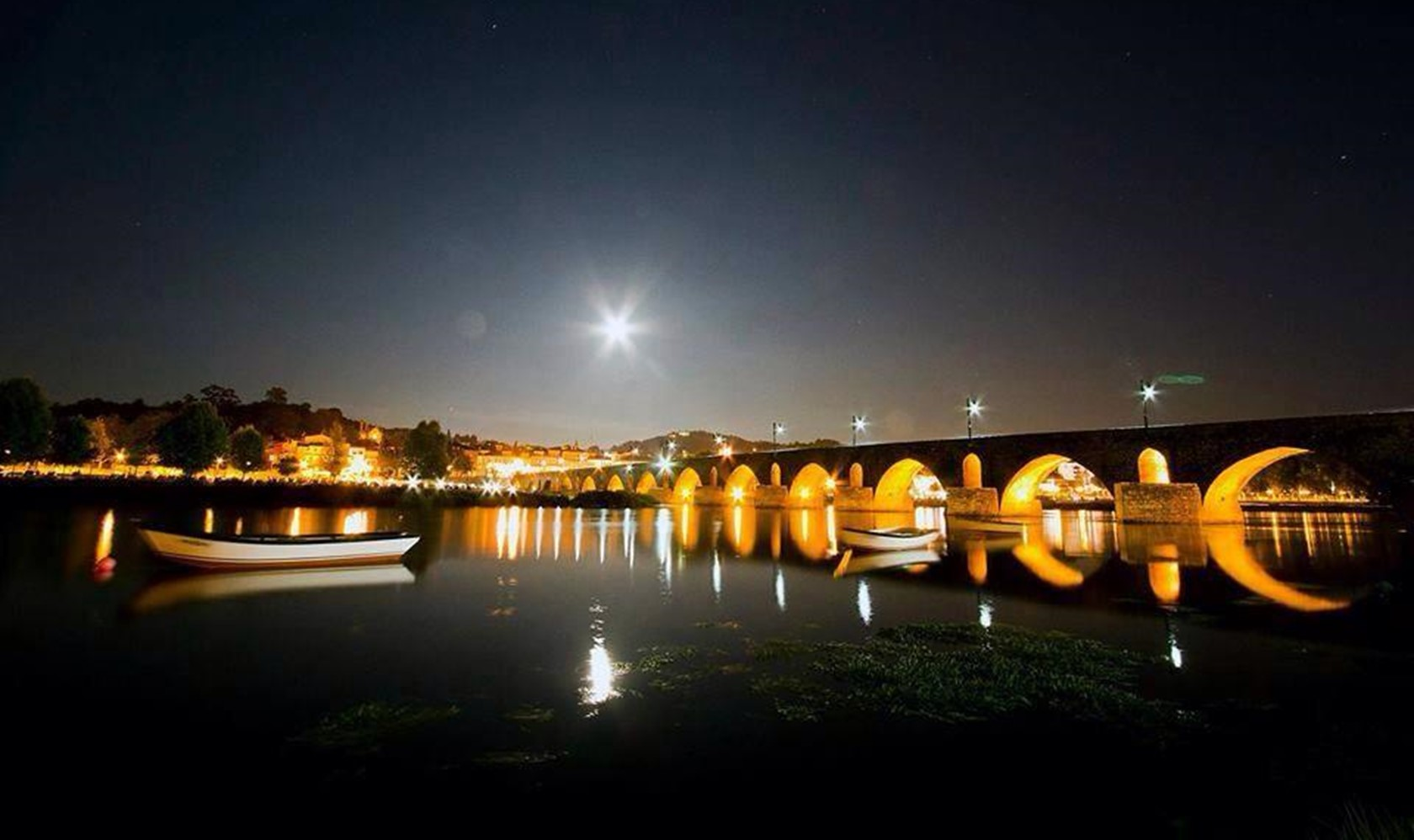 ponte de lima by night